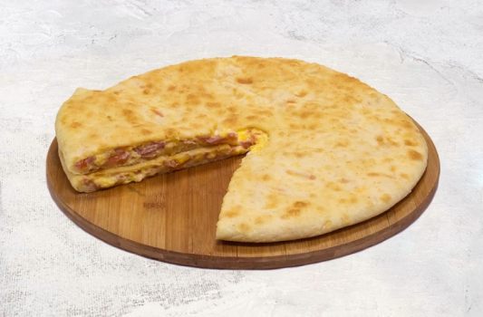 Пирог сыром и ветчиной