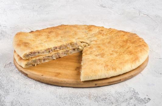 Пирог с мясом сыром и зеленью